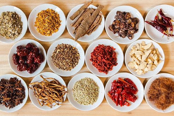 随時更新【全43種類】調味料一覧|国内・海外問わず、あらゆる調味料の特徴や使い道をご紹介します。